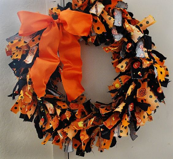 Fabric Wreath Tutorial Wreaths Rag Wreaths And Halloween