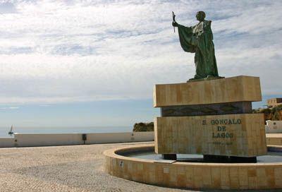Estátua a São Gonçalo de Lagos