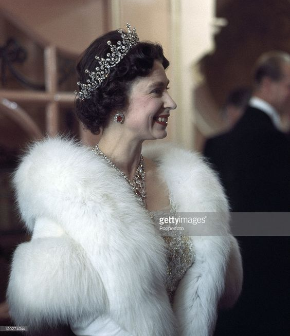 thesis statement on queen elizabeth ii Unlike most editing & proofreading services, we edit for everything: grammar, spelling, punctuation, idea flow, sentence structure, & more get started now.