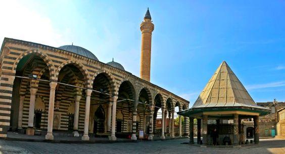 Behrampaşa Camisi, Diyarbakır, Turquía