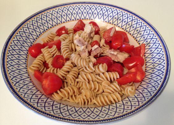 Pranzo per giorno di non #allenamento: pasta integrale con sgombro e pomodori crudi CARBOIDRATI: 60g PROTEINE: 20g  GRASSI: 20g   #personal #trainer #fitness #wellness #Bologna