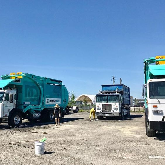 #DisposalQueen provides #GarbageDisposal and recycling collection services in #Vancouver. We can provide the size of disposal bin or dumpster you need when and for how long you need it. Excellent services at a fair price.