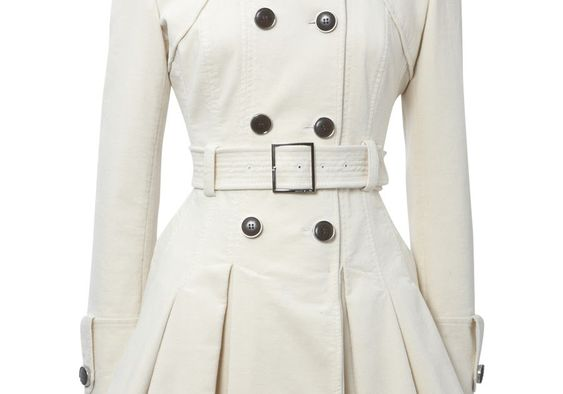 Criado como uma alternativa aos pesados casacos dos soldados, foi usado pelos britânicos e franceses durante a primeira guerra m...