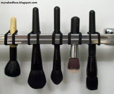 Brush drying for the win!: Brushes Upside, Hair Band, Makeupbrushes, Drying Brushes