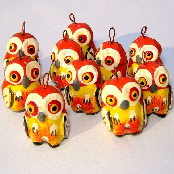 4 Handpainted Owl Pendant Beads from Guatemala. From lachapina
