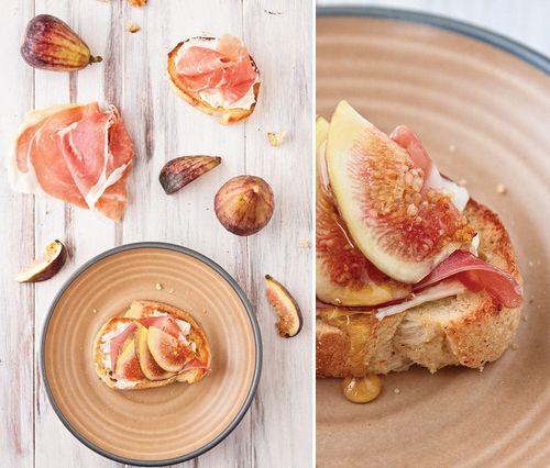 figs and prosciutto ... so pretty... so yum