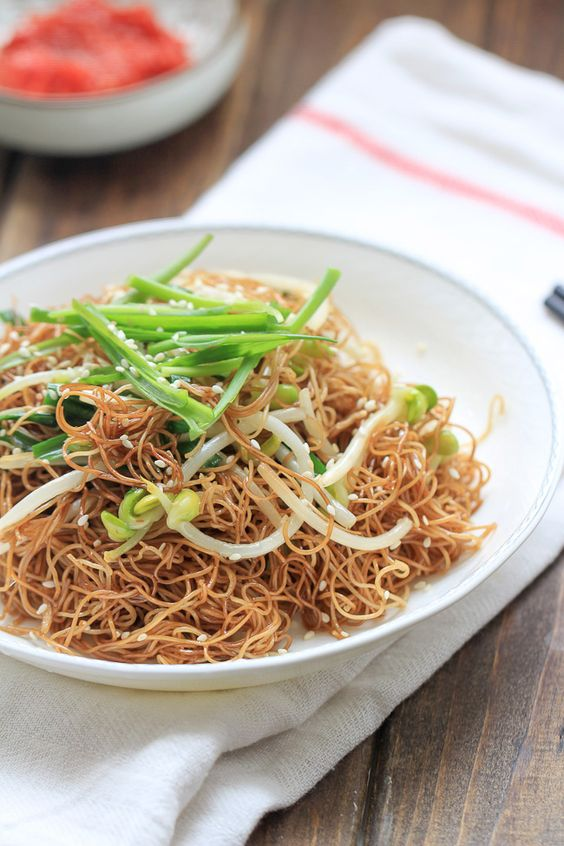 Soy Sauce Fried Noodles - soy sauce chow main recipe. Typical Cantonese breakfast food