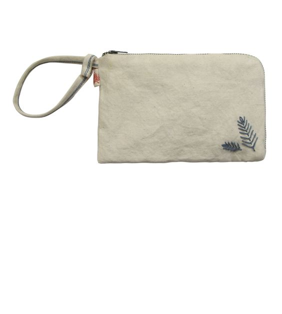 SONG New Spring - Accessories - MAR 2014 / CANVAS PURSE_BEIGE https://www.facebook.com/ValerieGregoriMcKenzie/photos/a.673760542684944.1073741900.155713031156367/673771596017172/?type=3&theater