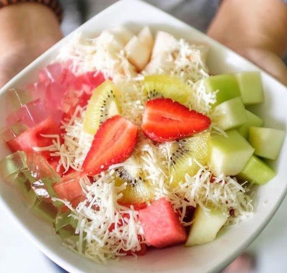 18 Cara Membuat Salad Buah Enak Sederhana Praktis Dan Sehat Salad Buah Resep Salad Makanan Sehat