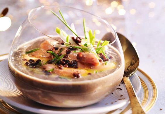 Le velouté de lentilles au foie grasQuand il fait bien froid dehors, un velouté bien chaud n'est jamais de refus surtout quand il est agrémenté de foie gras.  Consulter la recette du velouté de lentilles au foie gras