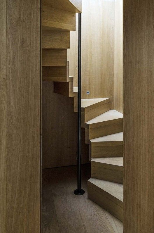 Gallery Of House In Oxfordshire Peter Feeny Architects 1 Diseño De Escalera Escaleras Para Espacios Pequeños Escaleras Para Casas Pequeñas