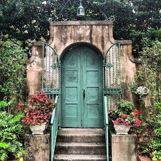 Pretty little front door in Savannah!