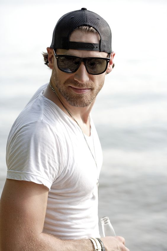 ***Tickets On Sale 8/15*** Sun, October 26, 2014 8:00 PM (Doors open at: 7:00 PM) Chase Rice Ignite the Night Tour Crystal Ballroom 1332 W Burnside St, Portland, OR 97209 (503-225-0047) All Ages. $17.50 Advance. $21.00 Day Of Show. Tickets available from Cascade Tickets Presale Password: MOOSE - Presale starts 8/13 at 10am!