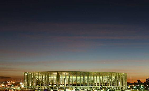Estádio da Copa em Brasília pode ficar R$ 500 milh...