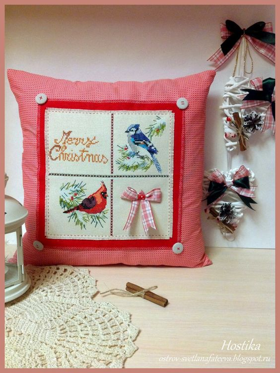 Остров рукодельного удовольствия.: Новогодняя подушка ,,Winter visitors,,  Nancy Ross...