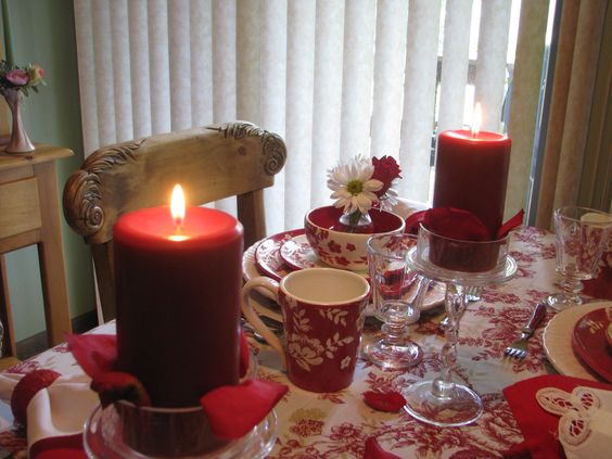 Red and white table from 2011