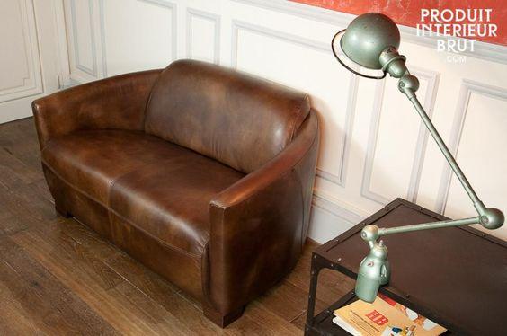 Nada como un hermoso sillón de cuero para un momento de relax con todo el estilo vintage.