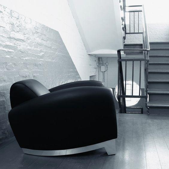 c 39 est ce que cherche sans doute d montrer le fauteuil club ds 57 un si ge rare qui par sa. Black Bedroom Furniture Sets. Home Design Ideas