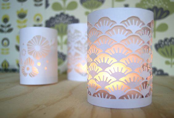 Tuto minilabo lampions en papier d coup to do list for Maison papier a decouper