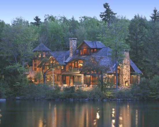 A Dream Lake House Dreamhouse Maine House Lake House Traditional Exterior