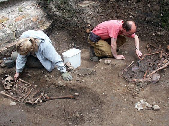 959026_2_0119 roman british skeleton excavation_standard