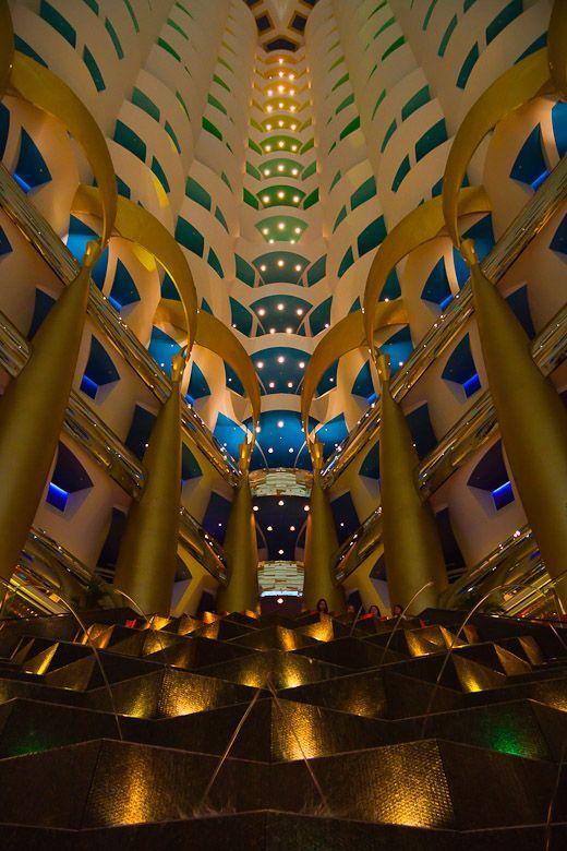 Burj Al Arab atrium By: Paweł & Grażyna Hachaj