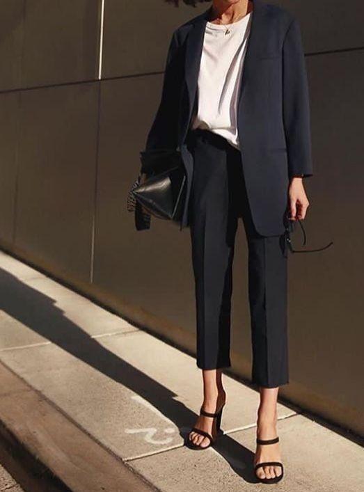 Стильные образы с чёрным пиджаком 0