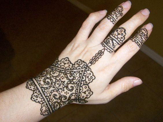 Lace glove henna henna designs pinterest gloves for Lace glove tattoo