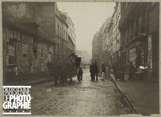 Crue de la Seine. Vue prise au niveau du n° 42, rue de la Roquette, vers l'est. Paris (XIème arr.),1910. Bibliothèque historique de la Ville de Paris.