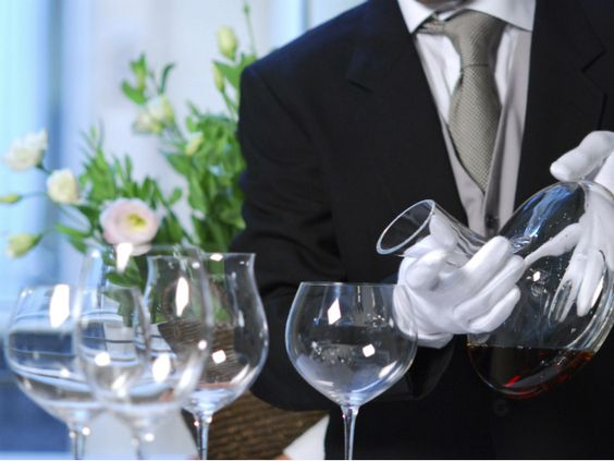 En el universo del vino se debe considerar la forma de pedirlo, beberlo y disfrutarlo