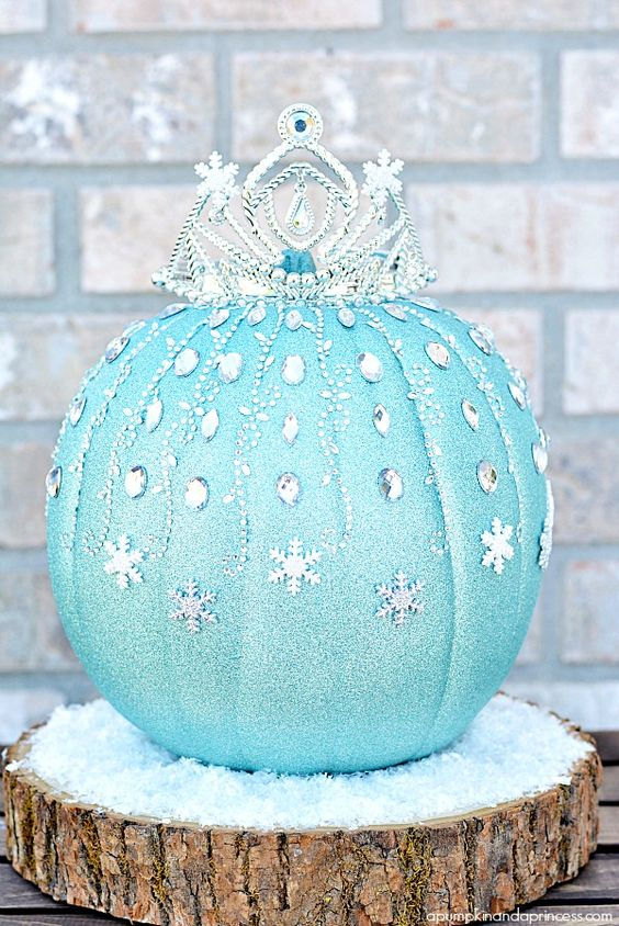 Disney Frozen Elsa Pumpkin... it would be so cute to fix up a fake pumpkin like this for Christmas/winter decorations