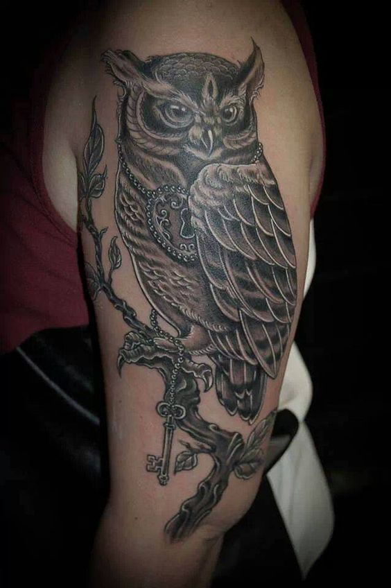 Black heart tattoo , Saint Raphael France par Benjamin Giuge tattoo owl ink
