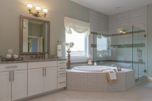 The Lindmoor Owner S Bath With Images New Homes Home