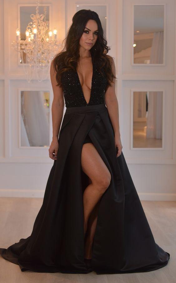 Vestido de formatura preto maravilhoso