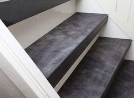 Trapbekleding van leer en rvs trapleuningen van upstairs for Huis trappen prijzen