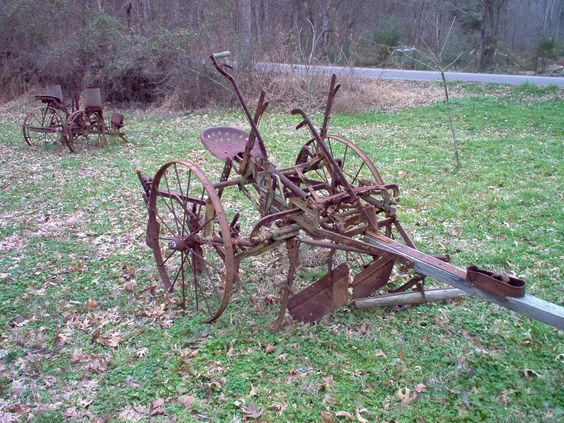 Farms horse drawn and old farm on pinterest for Vintage horseshoes for sale