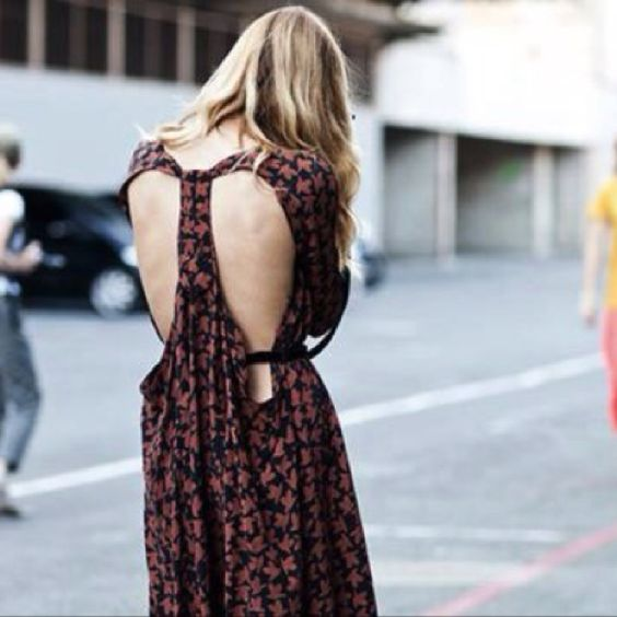 Love the back of the dress.