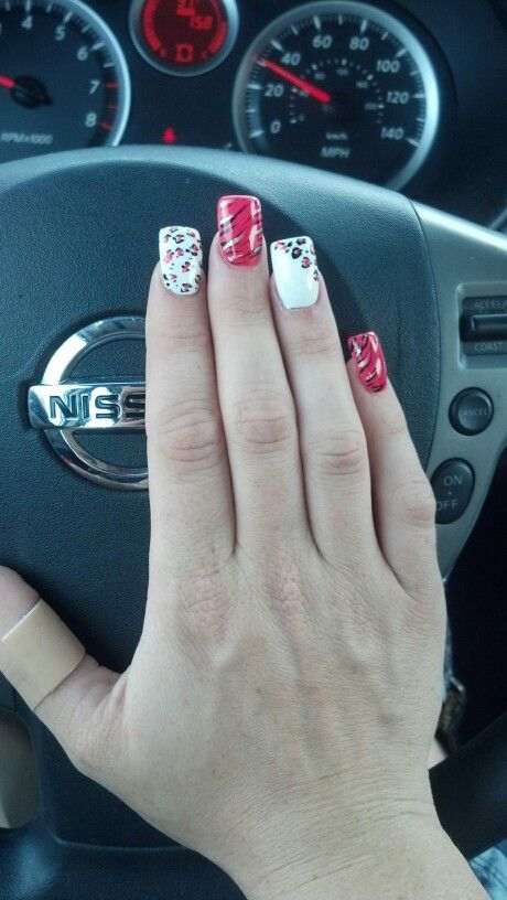 Pink.. cheetah... sexy nails