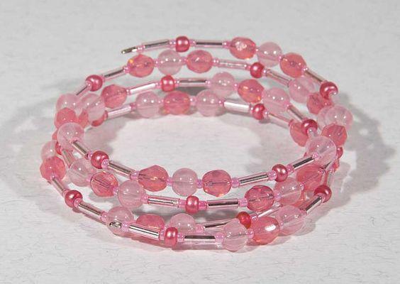 Nouveau! Bracelet fil mémoire rose pâle, bracelet extensible de perles opale rose, verre rose bracelet empilement, bracelet de perles enroulés verre opale rose
