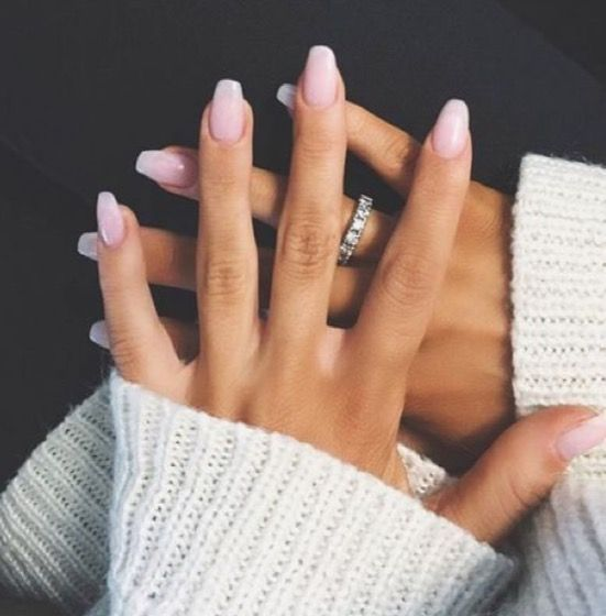 I Love The Look Of Neutral Nails Like This Light Pink Manicure If You Are Like Me And Can Never G Short Square Acrylic Nails Square Acrylic Nails Simple Nails