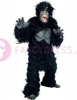 Dit luxe Gorillapak bevat:  Een realistische zwarte harige bodysuit met een gegoten latex borst.  Een bijpassende kap masker, bedekt met bont en met een realistische latex gezicht compleet met open mond, tanden en tong.  Een paar gegoten handen met nagels en  Een bijpassende paar voeten.