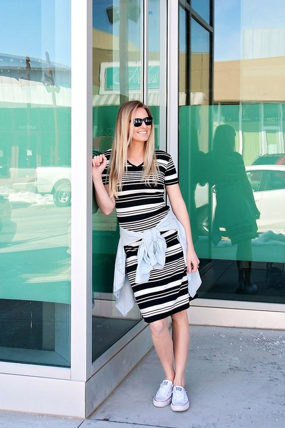 Striped dress and converse.