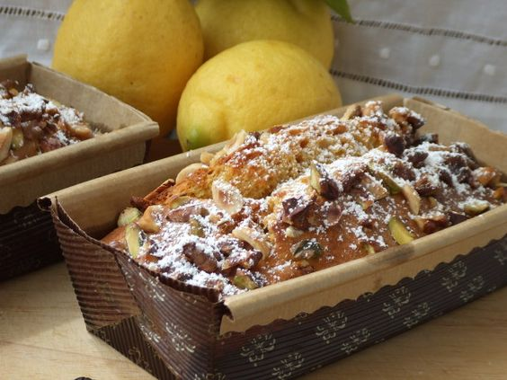 Plum cake de limón y frutos secos Ver receta: http://www.mis-recetas.org/recetas/show/61601-plum-cake-de-limon-y-frutos-secos