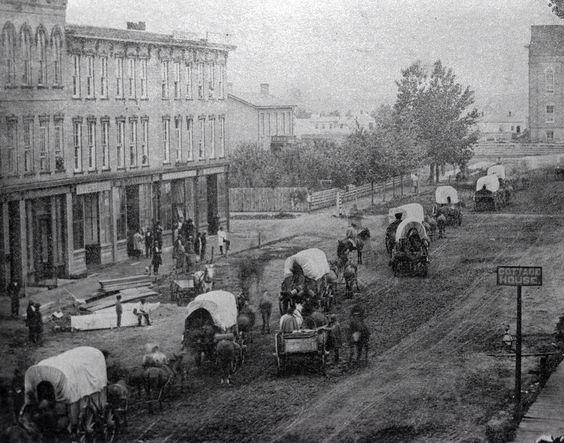 Wagon train on Court Avenue, Des Moines, Civil War era / via Lost Des Moines, from Iowa Historical Society