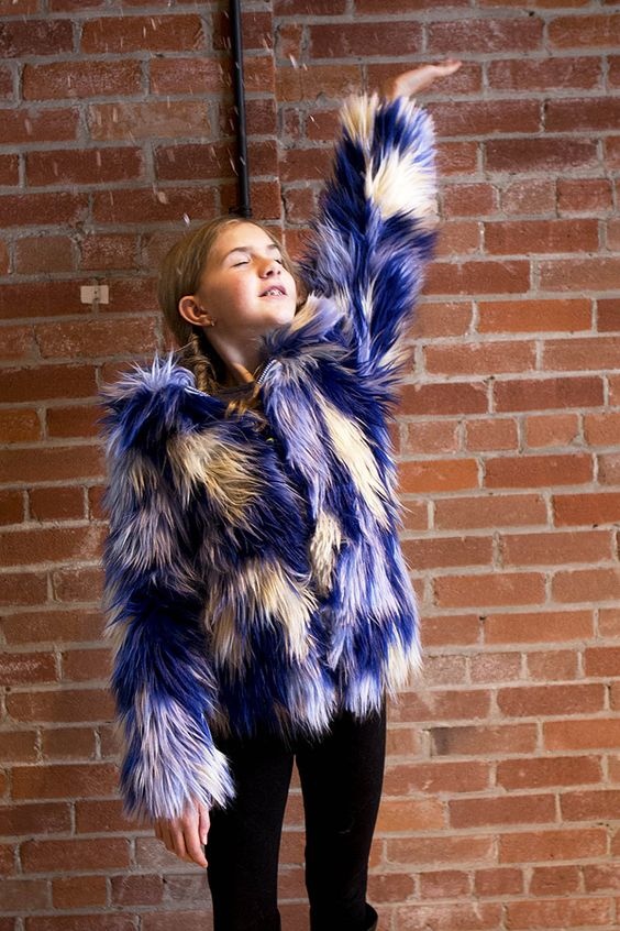 Limeapple #aw17: From the new #fallwinter2017 #girlscollection, the must-have Multicolored Faux Fur #girlscoat. #tweenfashion #tweenstyle #limeapple www.limeapple.com