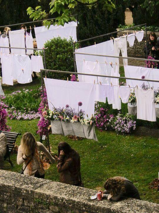 """Montaje efímero para el """"Temps de Flors"""" de Girona. Exposició de Flors, monuments, patis i jardins, 2011. Diseño y montaje: Eva Pratdesaba y Nidia Camacho."""