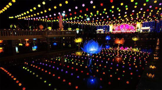 Lễ Vu Lan là lễ hội truyền thống của người Hoa tại Singapore