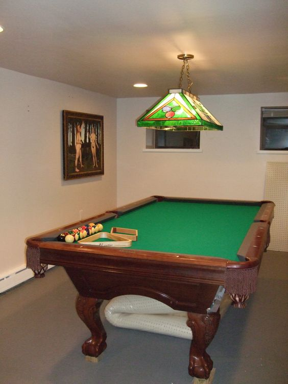 Brunswick Billiards 8' Avalon Pool Table