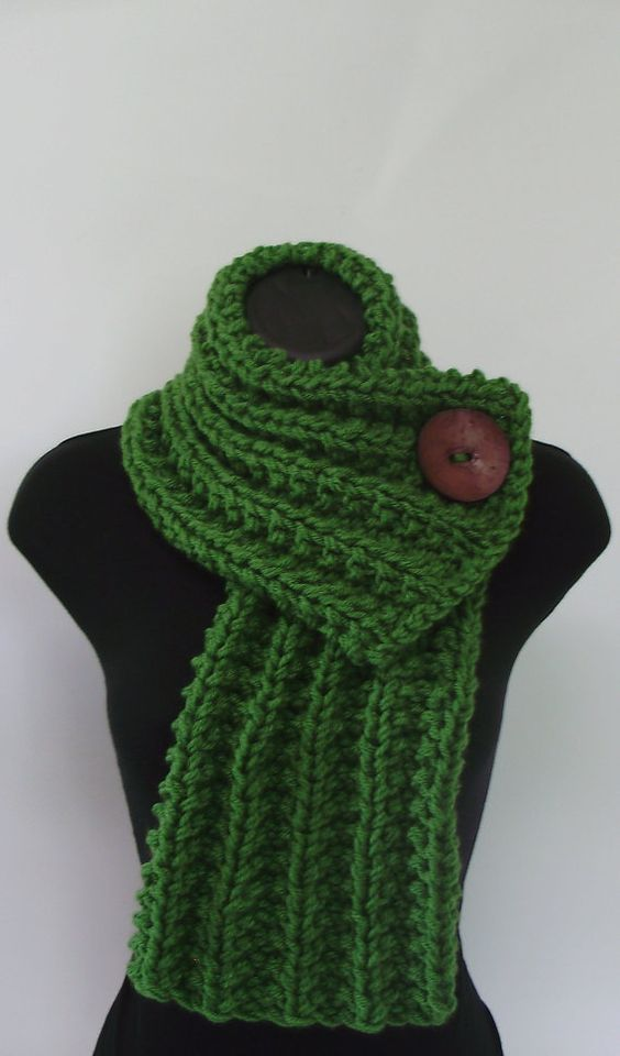 Button scarf. Someone would have to make this for me... any takers?