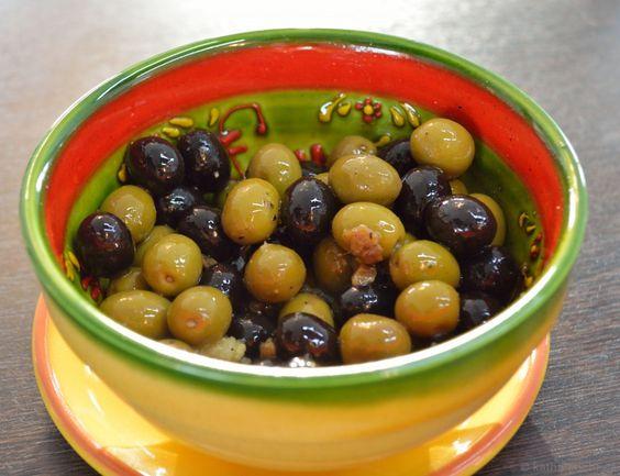 Tapas - Oliven mit Sardellen - Katha-kocht!